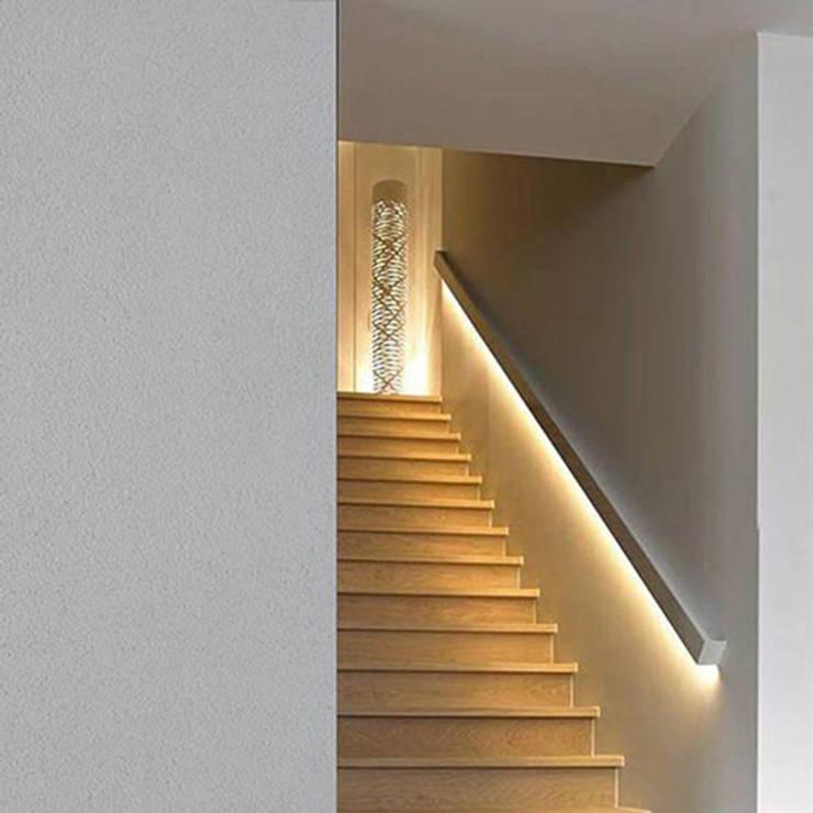 Velette e cornici per illuminazione led di interni ed for Segnapasso led per scale interne