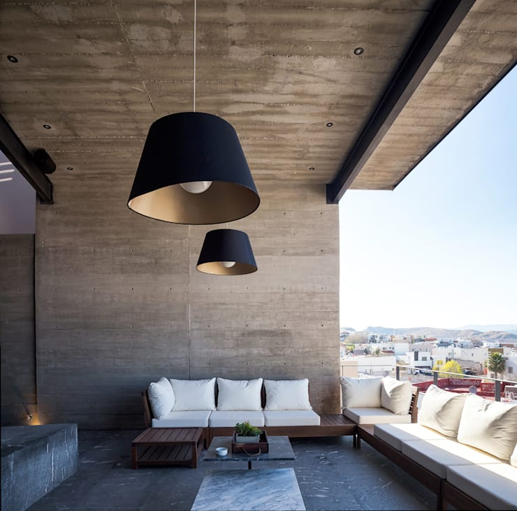 CASA CIMA: Terrazas de estilo  por Garza Maya Arquitectos