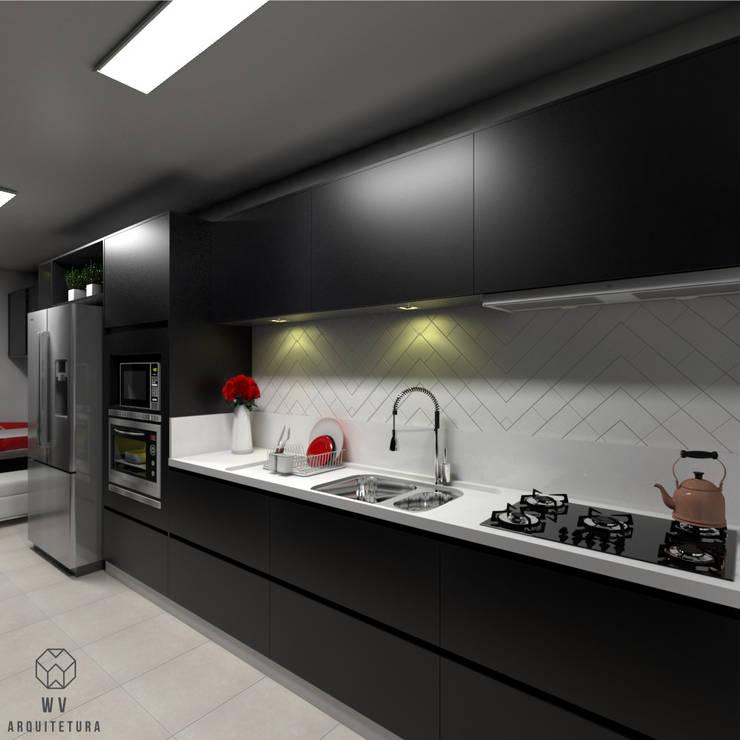 Cozinha : Armários e bancadas de cozinha  por WV ARQUITETURA