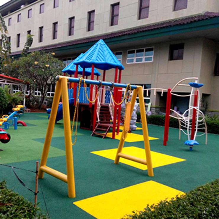 Playground Jakarta Intenational Korea School: Sekolah oleh PT. Datra Internusa,