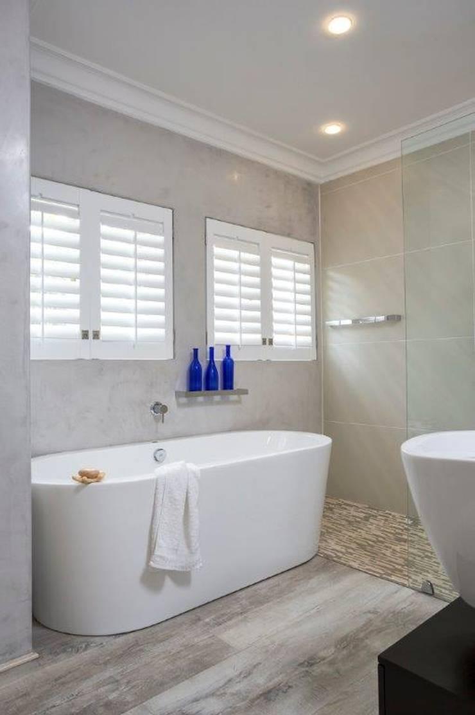 Bathroom:   by Deborah Garth Interior Design