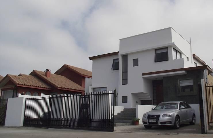 DISEÑO VIVIENDA MAC 220: Casas unifamiliares de estilo  por Territorio Arquitectura y Construccion - La Serena