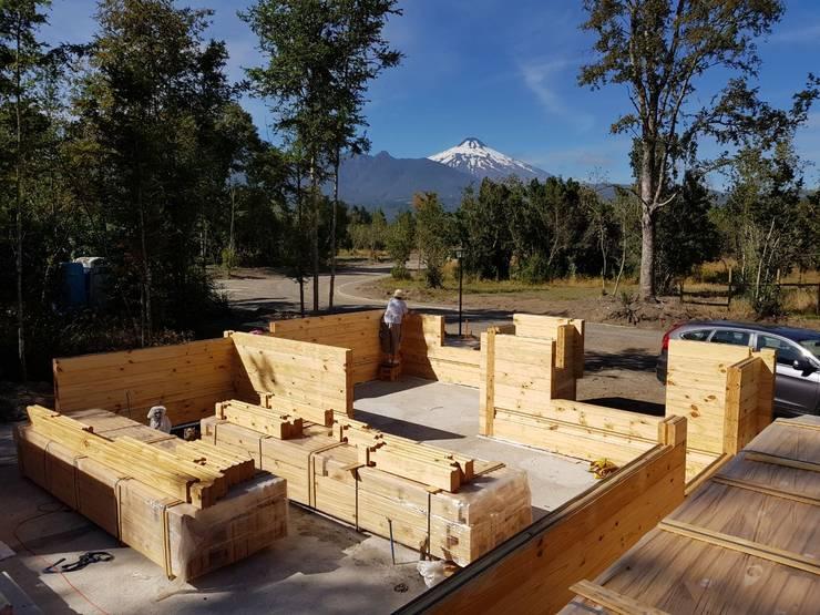 Casas de madera de estilo  por Patagonia Log Homes - Arquitectos - Neuquén