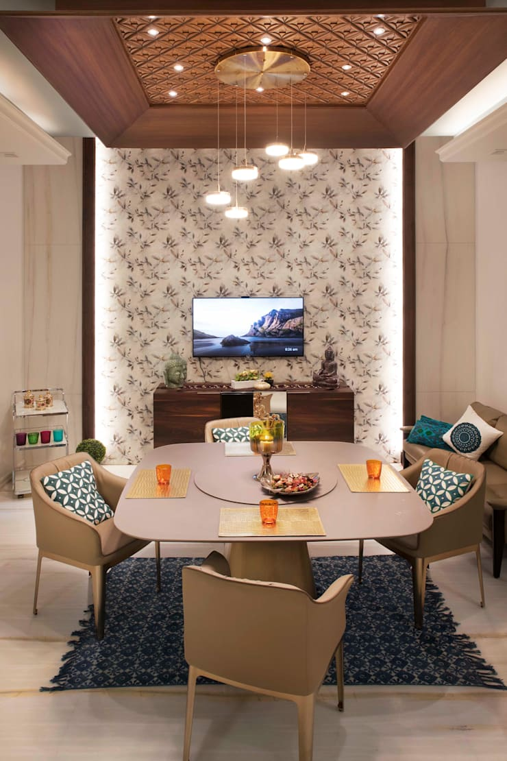 Divine Villa:  Dining room by VB Design Studio