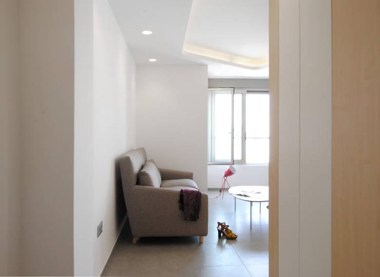 Livings de estilo moderno por Loft26