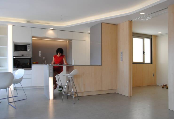 Dormitorios de estilo  por Loft 26
