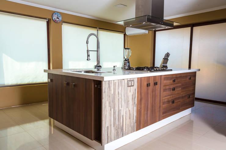 Kitchen by Innova Design