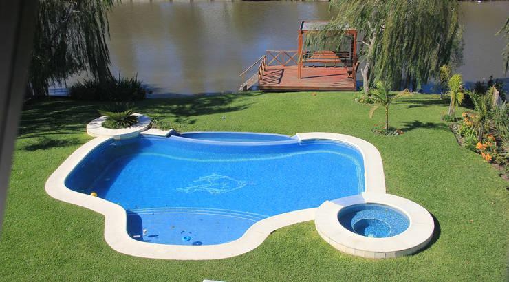 Pool by ARQCONS Arquitectura & Construcción