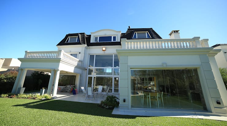 Houses by ARQCONS Arquitectura & Construcción