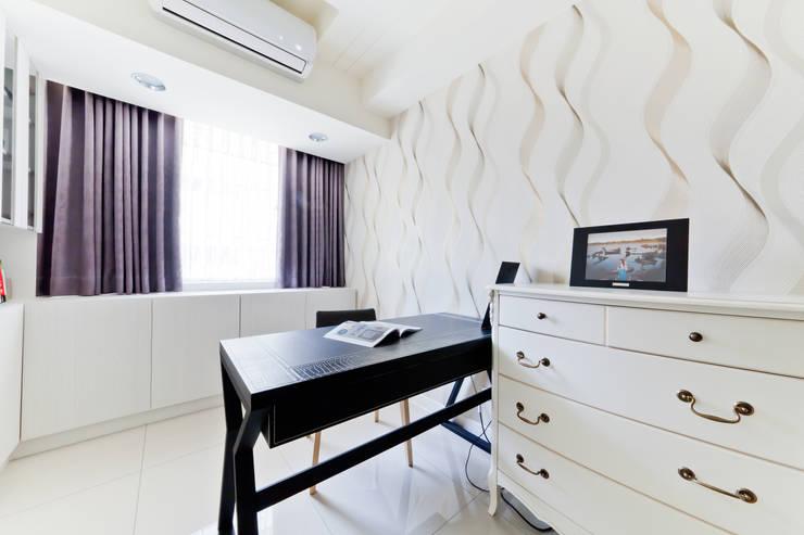 黑與白的簡約:   by 好室佳室內設計
