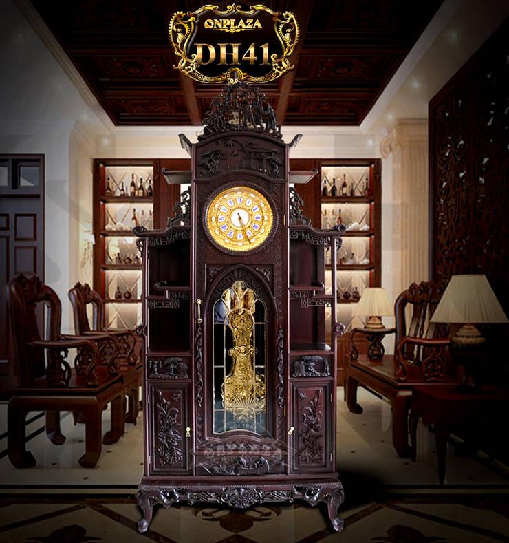 Đồng hồ cây gỗ gụ DH41 mái chùa kiểu lối cổ nhập Pháp mạ vàng:  Walls & flooring by Cửa hàng bán đồng hồ cây gỗ cao cấp ở Hà Nội