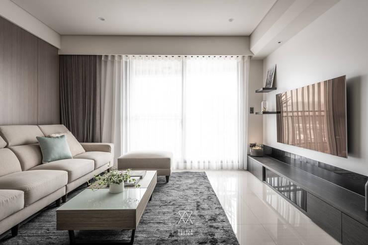 Living room by 双設計建築室內總研所