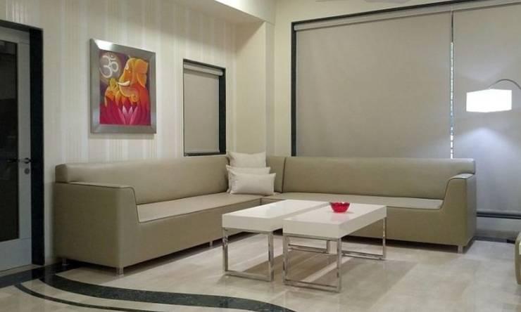 Phòng khách by Chawla N Associates