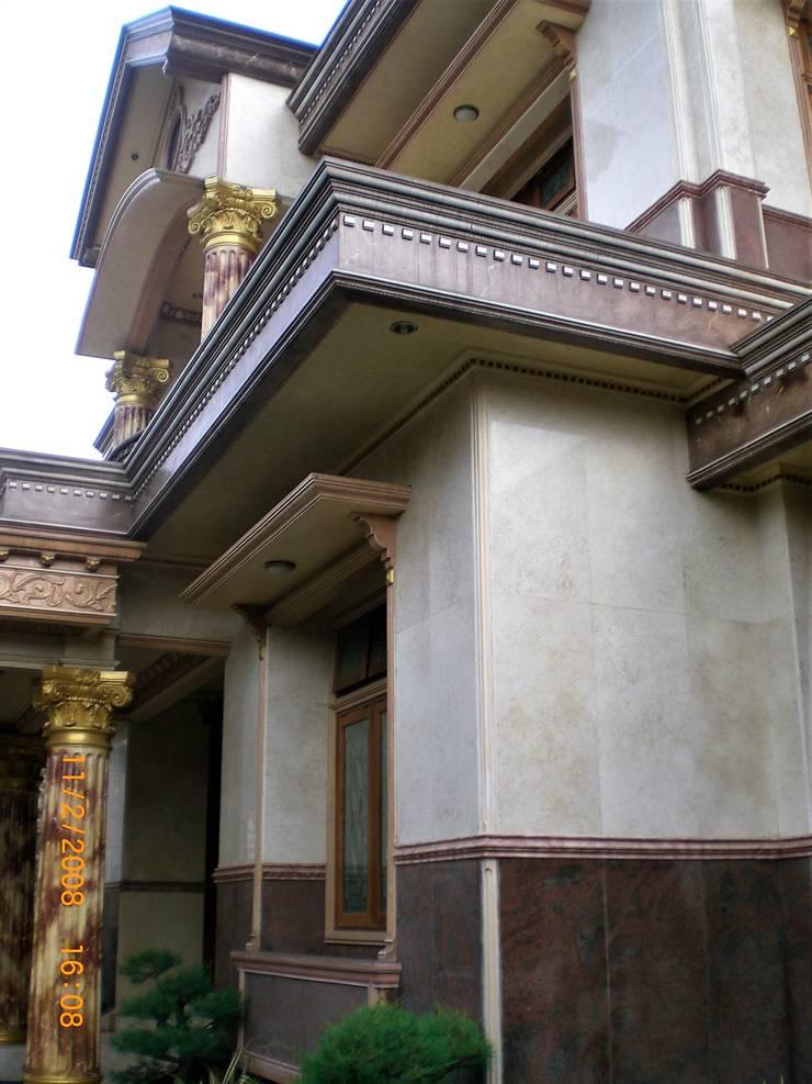 Tampak Sudut:  Rumah by Amirul Design & Build
