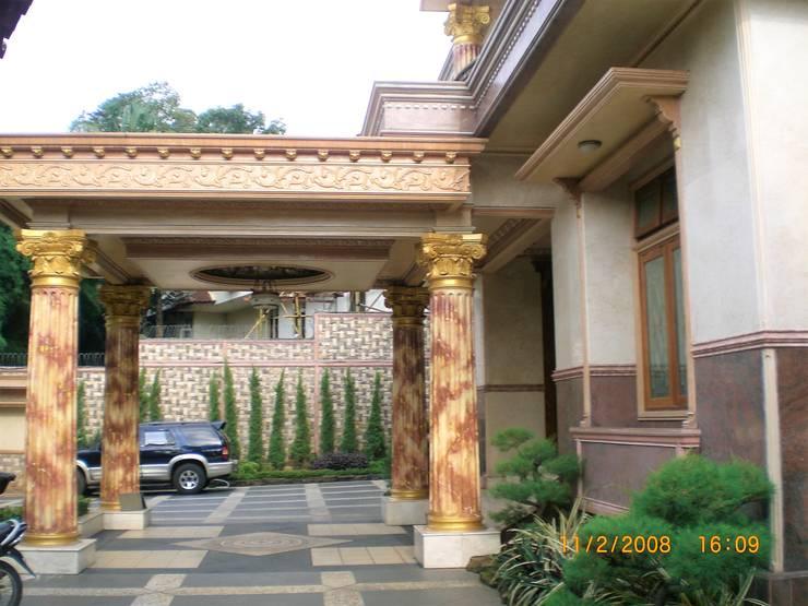 Perspektif Tampak Samping:  Rumah by Amirul Design & Build