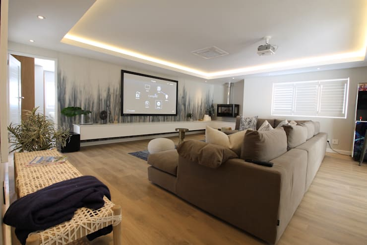 PJ Lounge:  Electronics by Audio Visual Projects (PTY) Ltd,