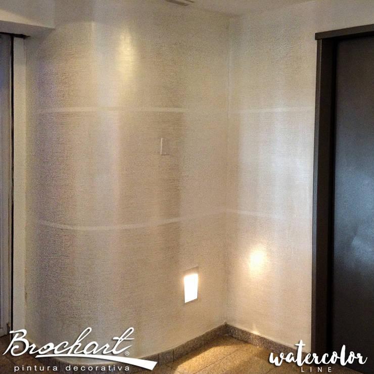 Técnica Estriado Acuarela ©: Paredes y pisos de estilo  por Brochart pintura decorativa
