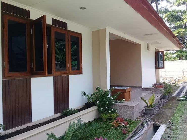 Wooden windows by studioindoneosia, Tropical Wood Wood effect