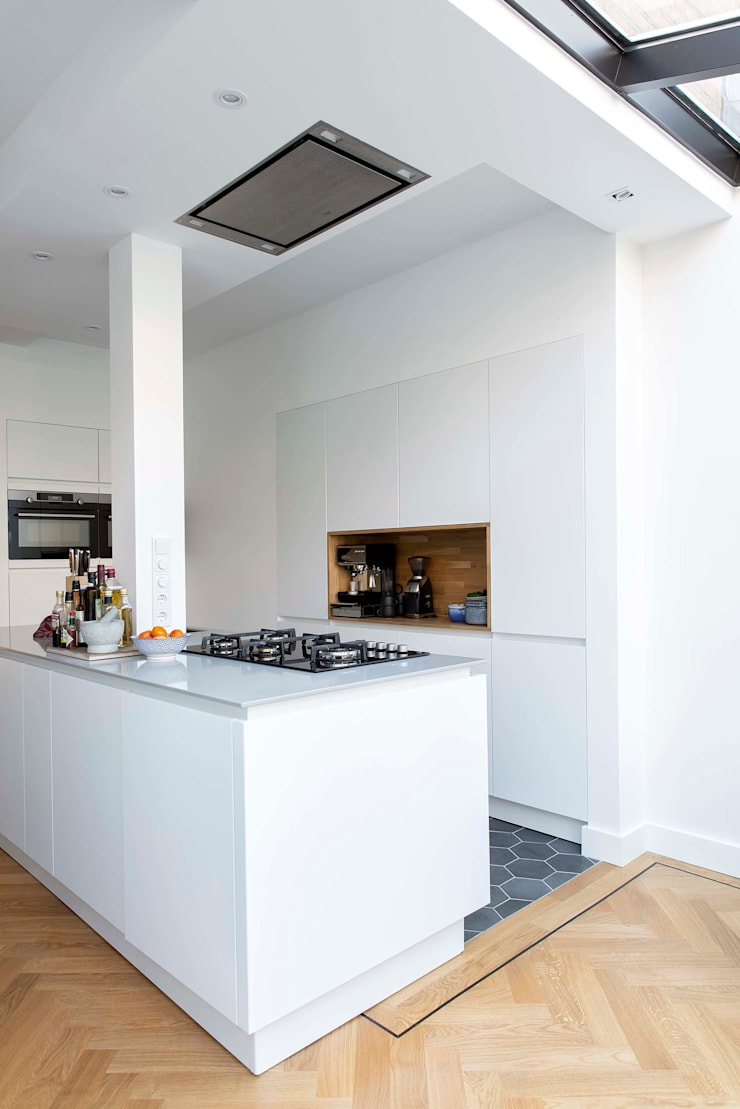 Kleurrijke familiewoning Den Haag:  Keuken door Atelier Perspective Interieurarchitectuur, Modern