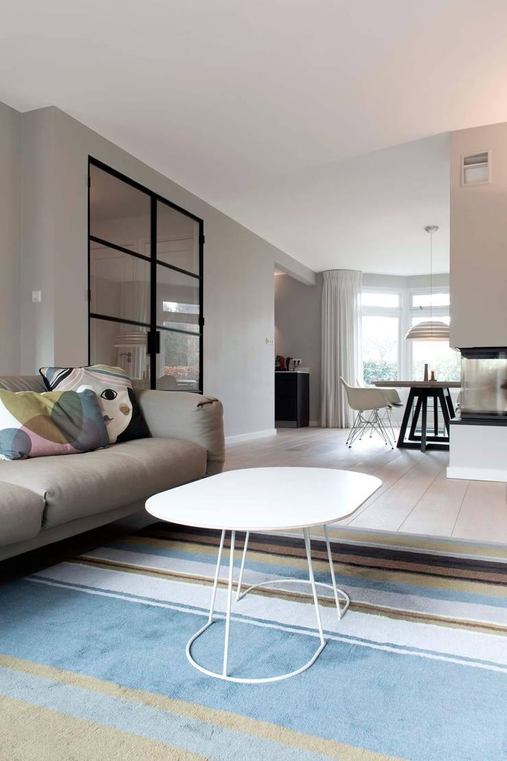 Verbouwing familiewoning Den Haag:  Woonkamer door Atelier Perspective Interieurarchitectuur, Modern
