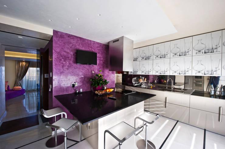 مطبخ تنفيذ Studio Merlini Architectural Concept
