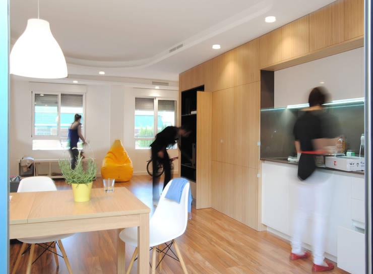 Comedores de estilo moderno por Loft26