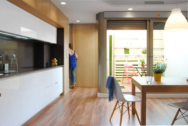 Cocinas de estilo moderno por Loft26