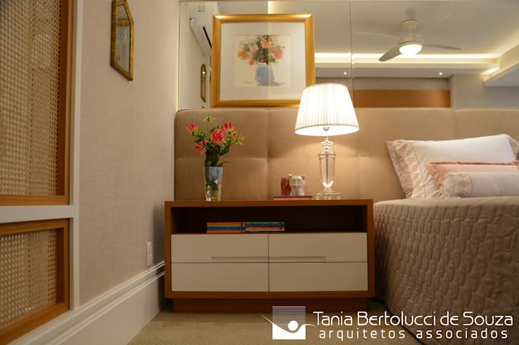 Suite Casal: Quartos  por Tania Bertolucci  de Souza  |  Arquitetos Associados