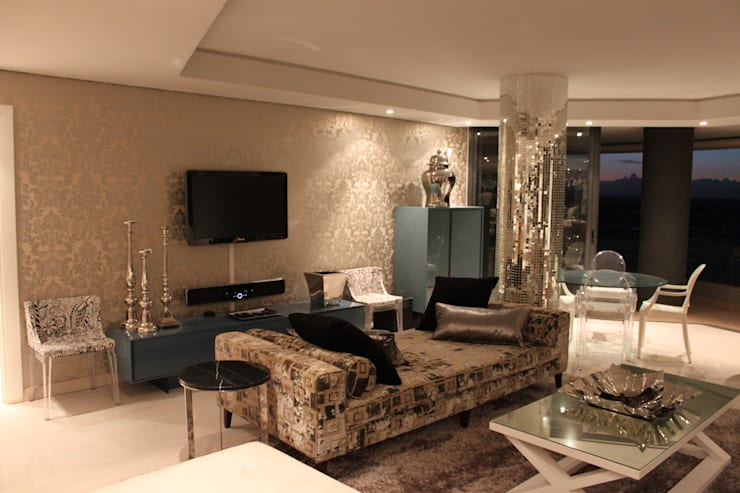 Residential Clifton:  Living room by Lean van der Merwe Interiors, Eclectic