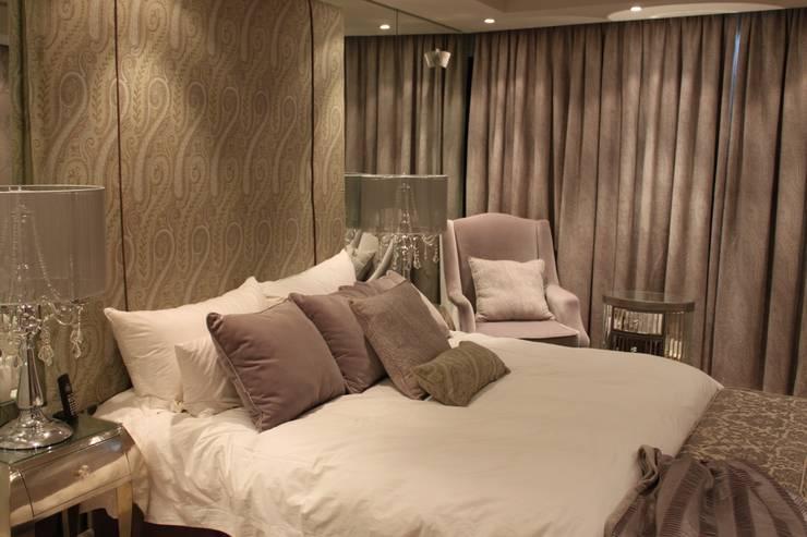 Residential Clifton:  Bedroom by Lean van der Merwe Interiors