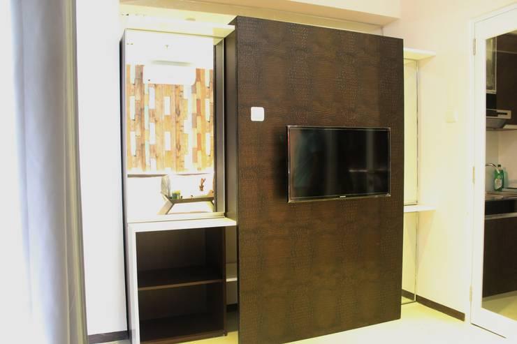 Gateway Pasteur Apartemen Ruby:  Kamar Tidur by POWL Studio