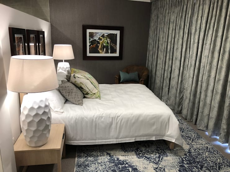 Main bedroom:  Bedroom by Lean van der Merwe Interiors