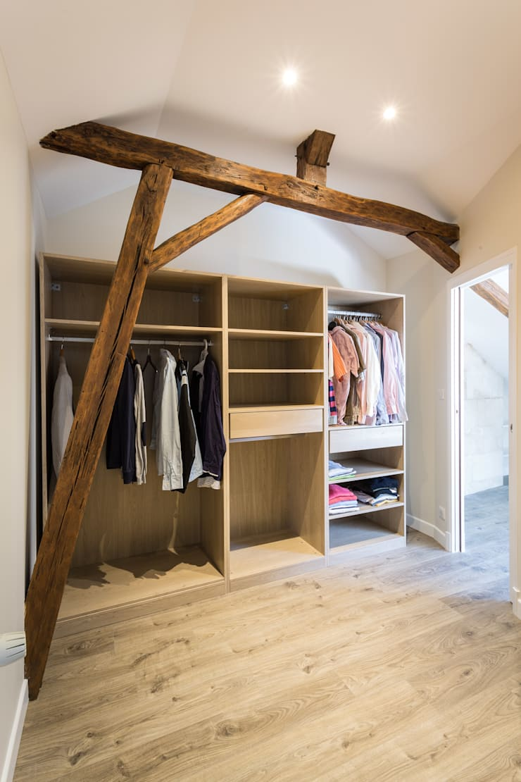 Dressing room by MadaM Architecture, Modern