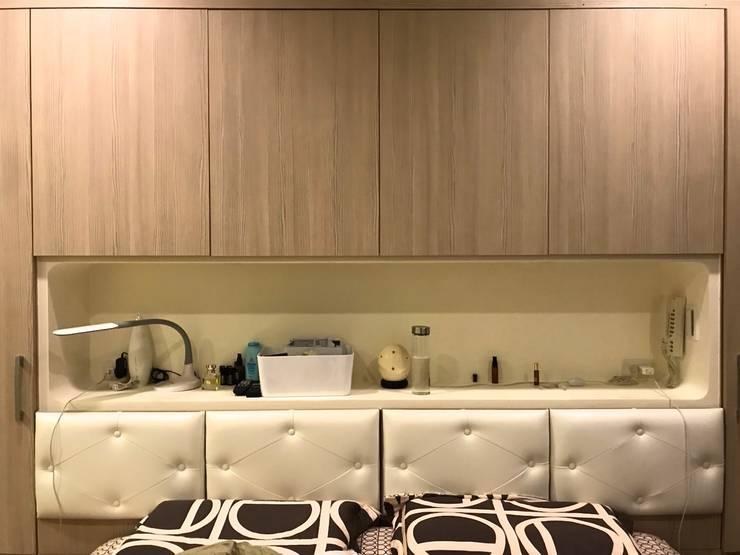 床頭與收納一體呈現:  臥室 by 圓方空間設計