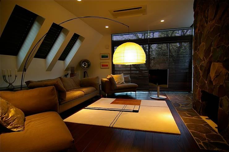 リビング: Sデザイン設計一級建築士事務所が手掛けたリビングです。