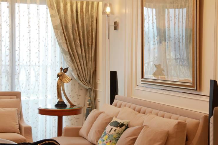 台北, 美式居家住宅案:  客廳 by G.T. DESIGN 大楨室內裝修有限公司