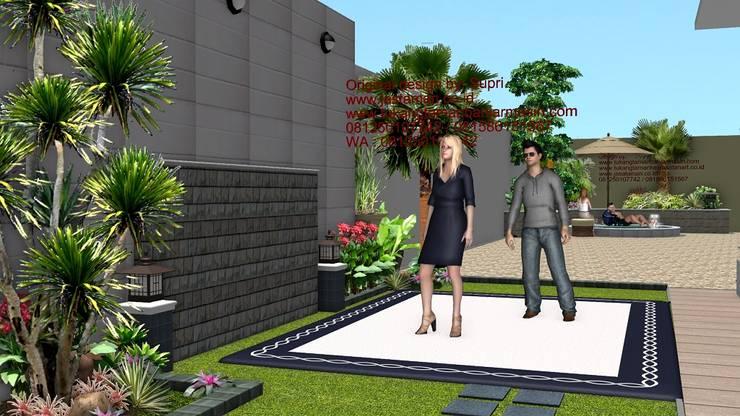 Taman rumah tinggal surabaya II:  Garden  by TUKANG TAMAN SURABAYA - jasataman.co.id