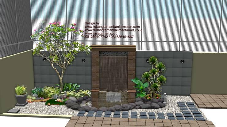 taman dalam ruangan:  Garden  by TUKANG TAMAN SURABAYA - jasataman.co.id