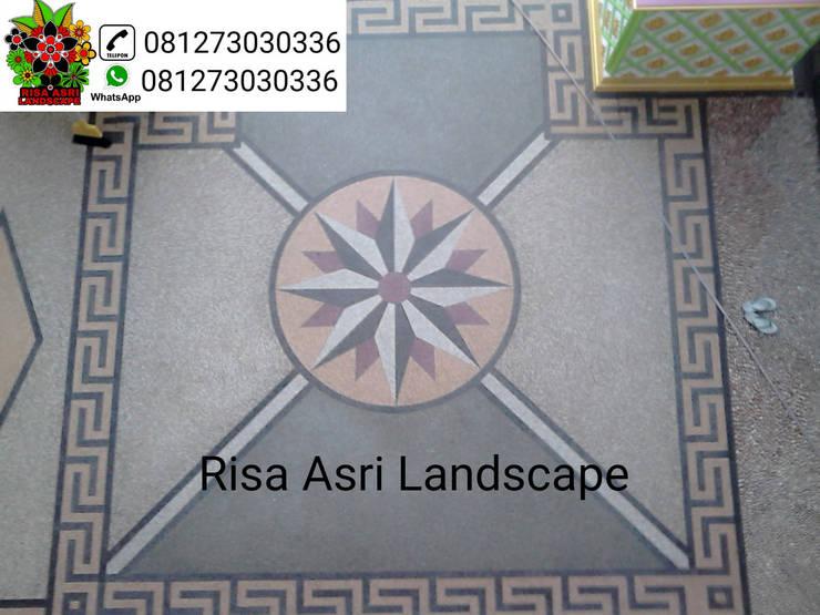 Tukangcarport batu sikat ampyangan Surabaya Dan Kolam Minimalis Surabaya, Risa Asri Landscape:  Ruang Komersial by Risa asri landscape