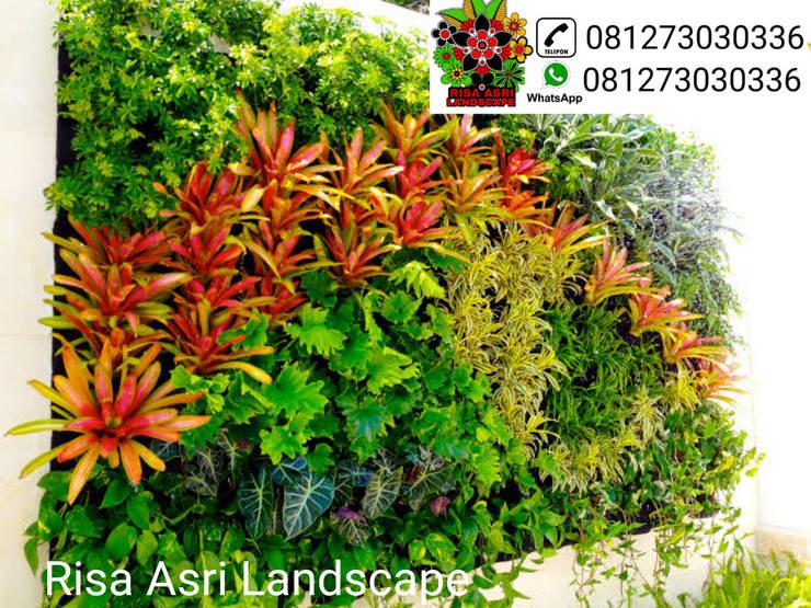 Tukang Taman vertikal garden Surabaya Dan Kolam Minimalis Surabaya, Risa Asri Landscape:  Ruang Komersial by Risa asri landscape