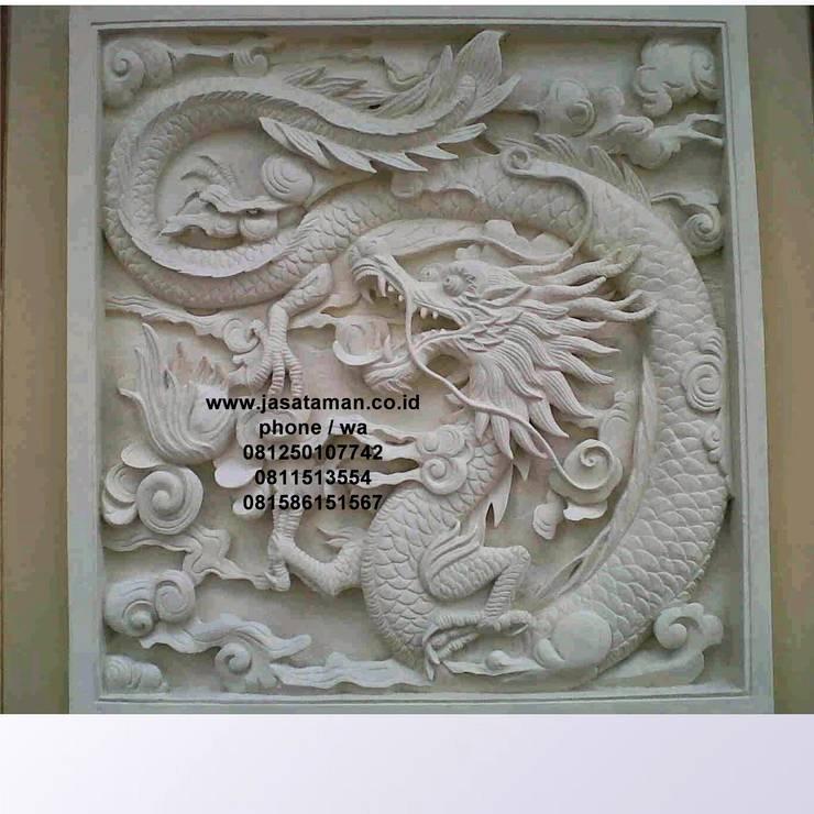 Taman relief dekorasi surabaya jawa timur V:  Garden  by TUKANG TAMAN SURABAYA - jasataman.co.id
