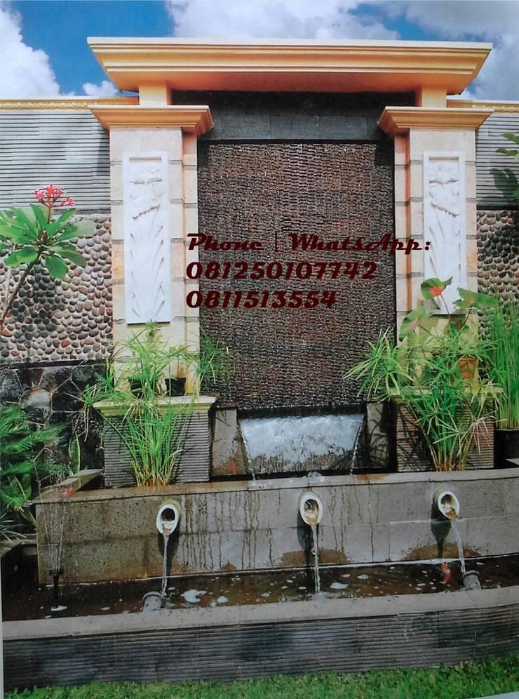 Spesialis jasa pembuatan Air mancur / water wall dan kolam hias koi part III:  Garden  by TUKANG TAMAN SURABAYA - jasataman.co.id
