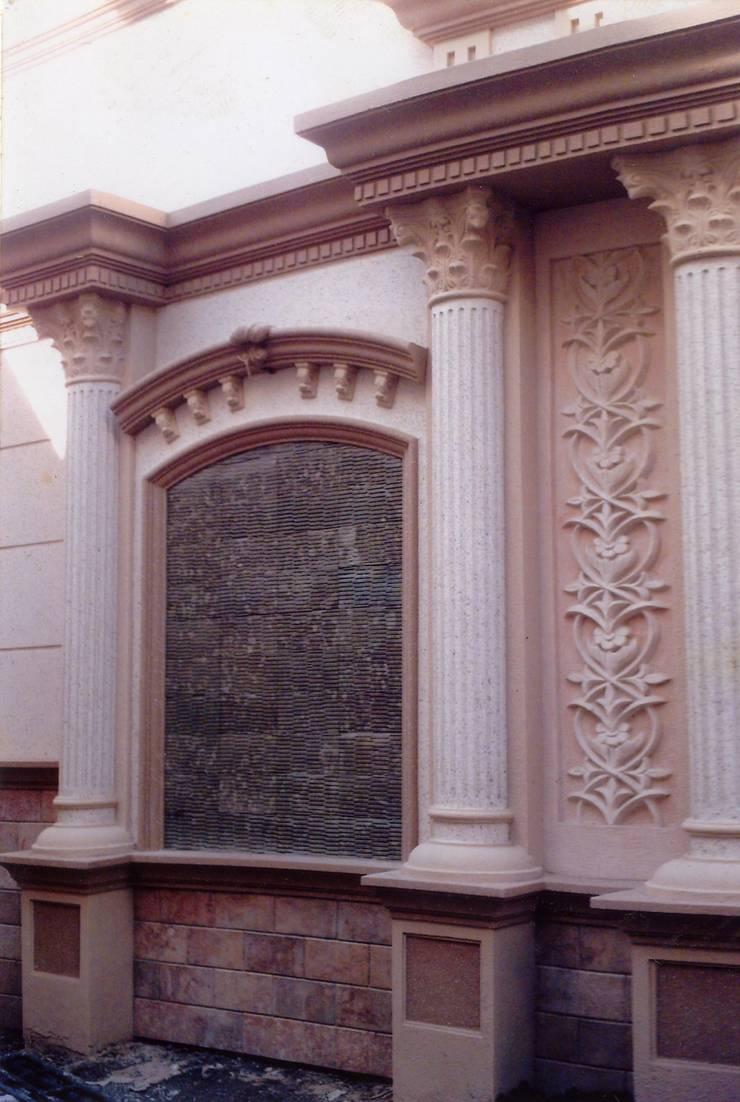 Spesialis jasa pembuatan Air mancur / water wall dan kolam hias koi part IV:  Walls & flooring by TUKANG TAMAN SURABAYA - jasataman.co.id