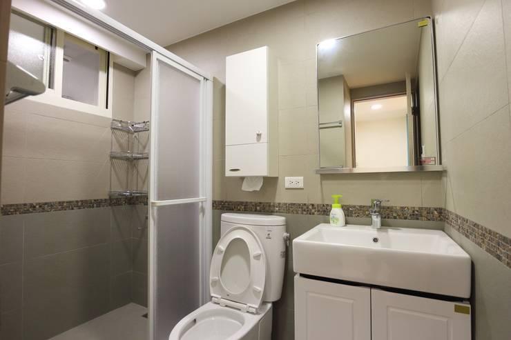 Bathroom by 青築制作, Scandinavian