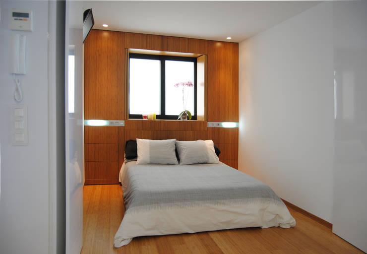 Dormitorios de estilo  por Loft26