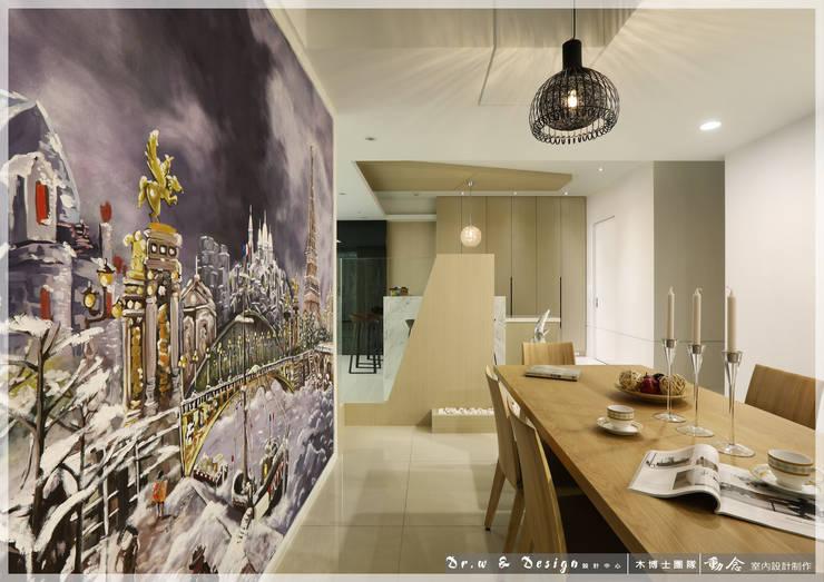 餐廳/壁紙/歐式系統傢俱/人造石/休閒風:  餐廳 by 木博士團隊/動念室內設計制作