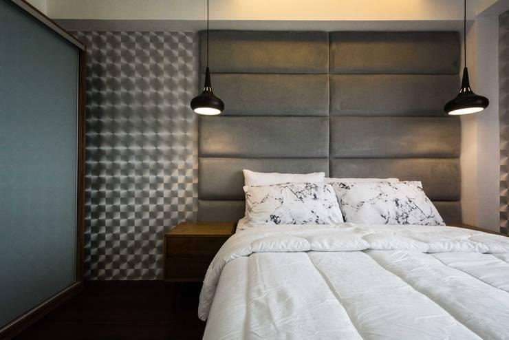 One Orchard Road:  Bedroom by TG Designing Corner