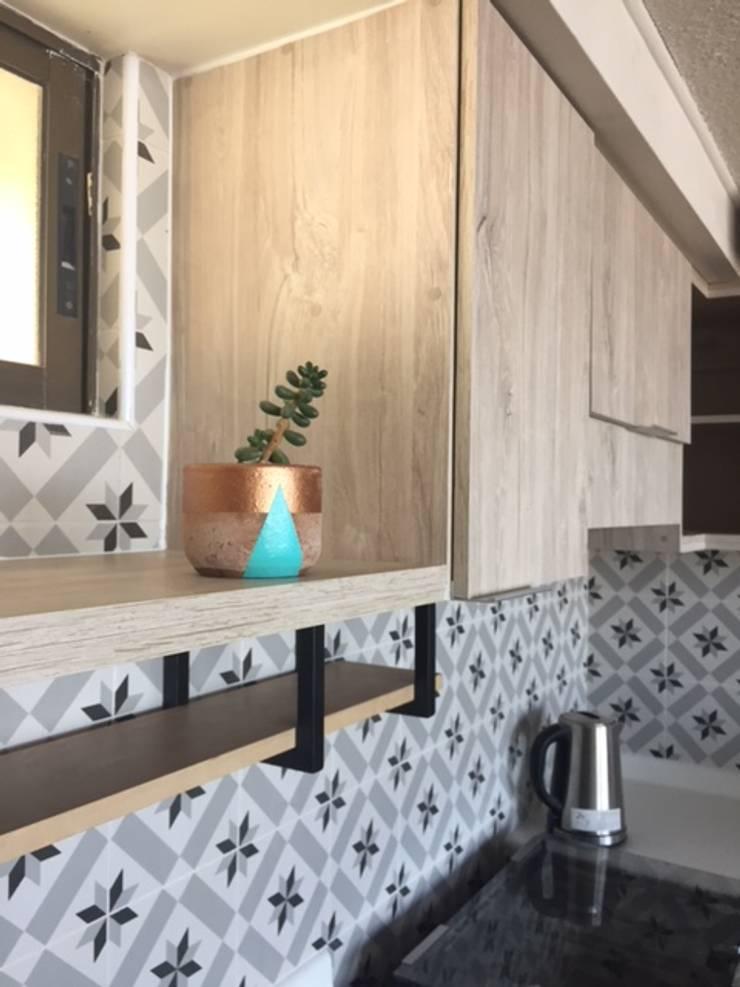 Remodelación de cocina:  de estilo  por R-Innovare