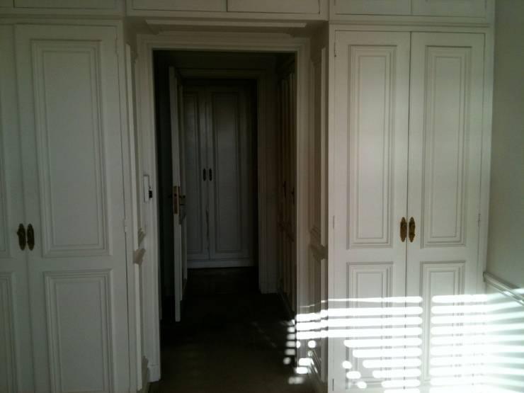 Dormitorio de Andrés: Dormitorios de estilo  por Goch Interior Design,