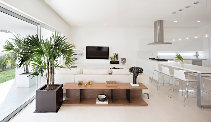 Media room by GLR Arquitectos